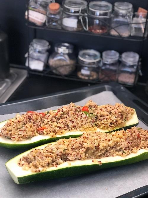 préparation des courgettes farcies vegan